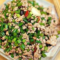 """快手热菜:超级下饭的""""苍蝇头""""/肉末炒韭菜"""