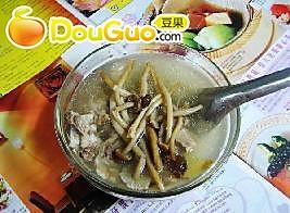 茶树菇排骨汤的做法