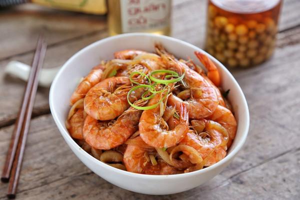洋葱油爆虾#金龙鱼外婆乡小榨菜籽油 最强家乡菜#的做法