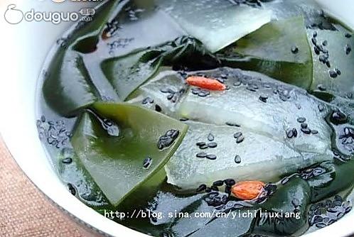 瘦身黑发的饮食靓汤-----芝麻海带汤的做法