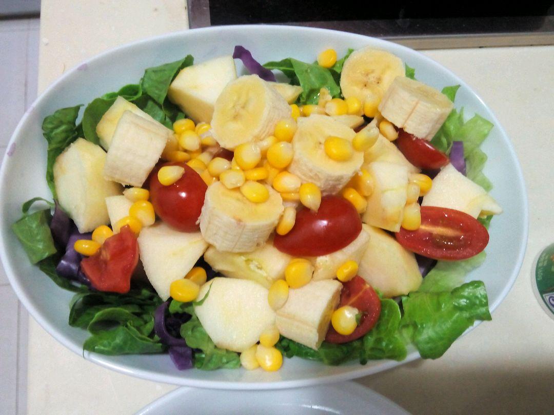 蔬菜水果沙拉