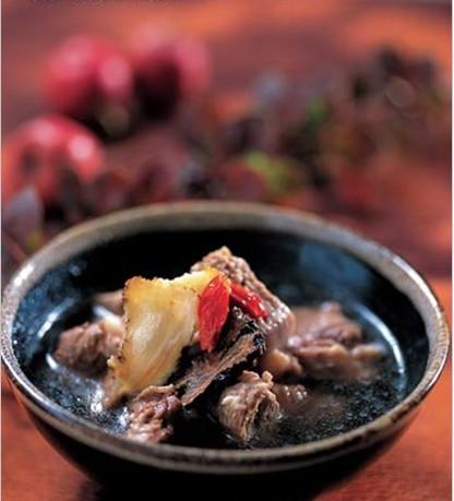 天麻川芎炖牛肉的做法