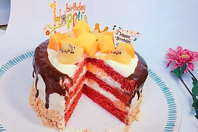 红丝绒巧克力淋边蛋糕