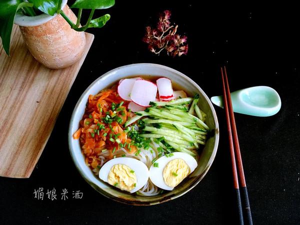 冷面温吃法 外加桂圆红枣汤