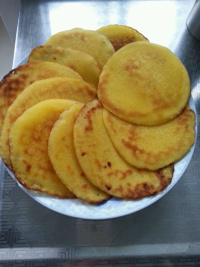 玉米饼的做法_【图解】玉米饼怎么做好吃_张菲_家常
