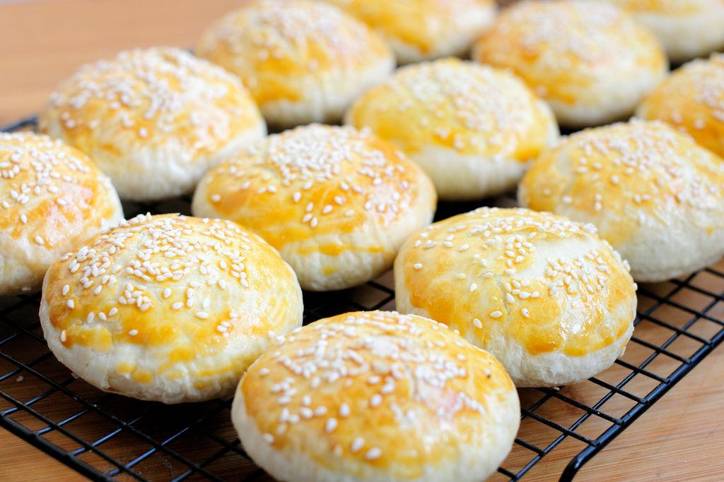 红豆沙千层酥 国庆中秋双节伴手礼不只有月饼 没蛋黄的蛋黄酥