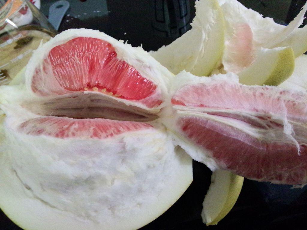 剥柚子的做法步骤