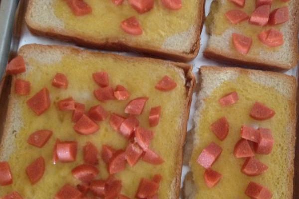 鸡蛋火腿烤吐司切片面包的做法