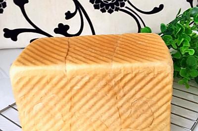 练奶中种土司面包