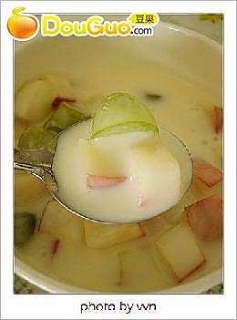 水蜜桃提子酸奶的做法
