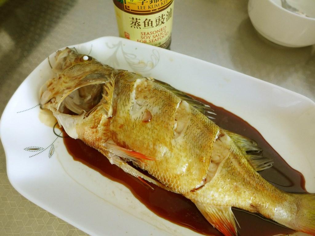 清蒸红尾鱼的做法图解5