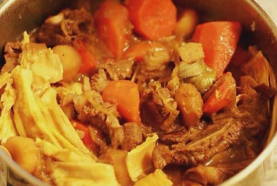 养生羊骨羊肉煲的做法