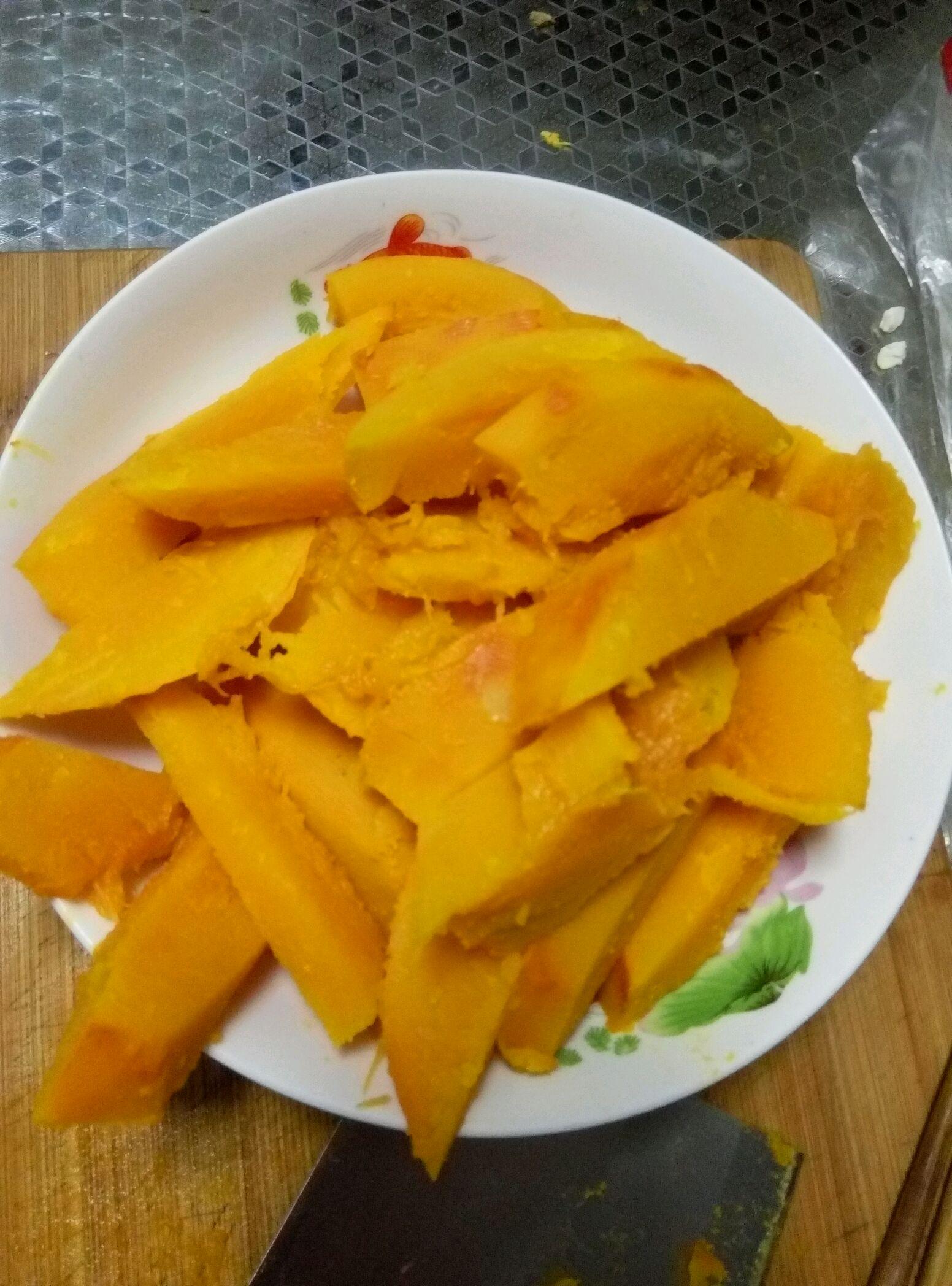 咸蛋黄焗南瓜的做法_【图解】咸蛋黄焗南瓜怎么做如何