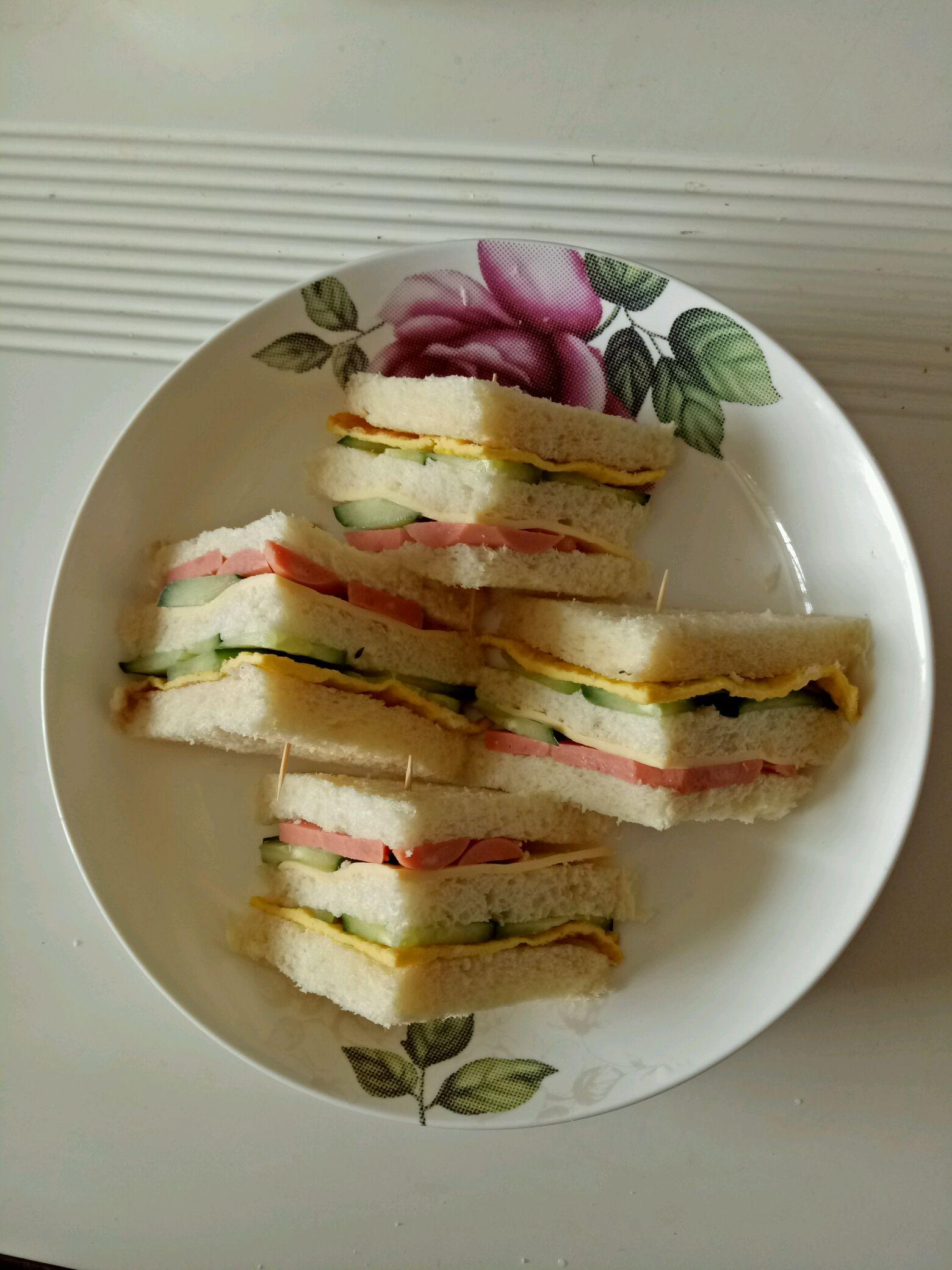 营养早餐三明治的做法_【图解】营养早餐三明治怎么做