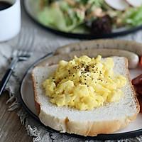 视频|做出健康Brunch!一键烤全麦面包(东菱面包机)