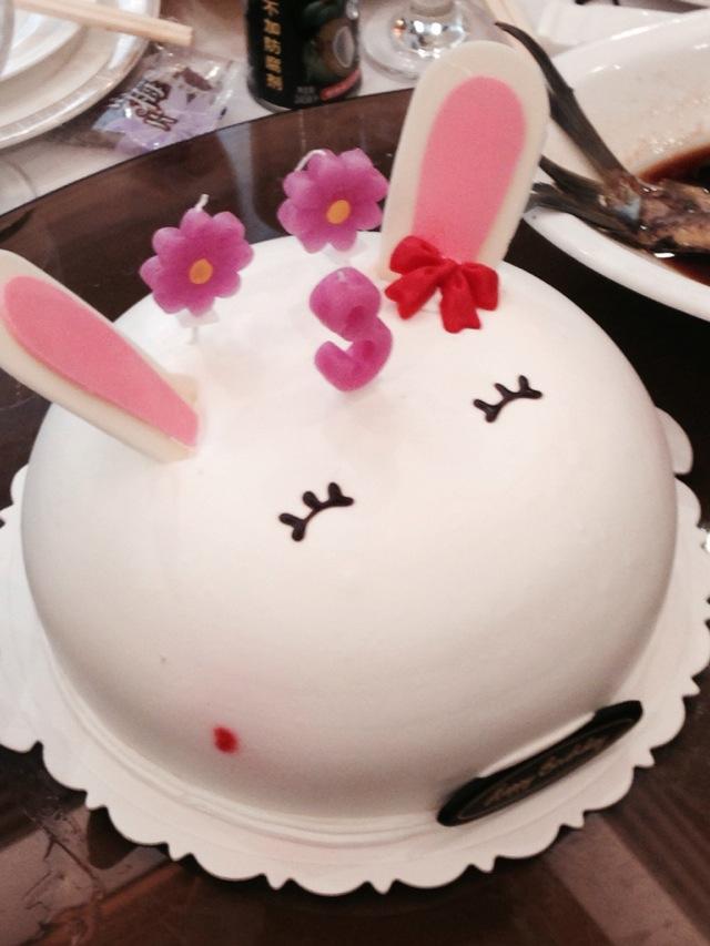 小兔子生日蛋糕的做法图解1