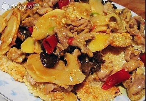 配菜(中级)   时间:30-45分钟       主料 猪里脊肉100克 大米锅巴175