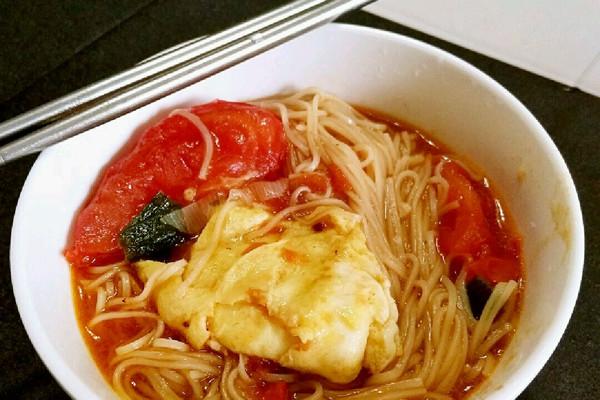 西红柿鸡蛋汤面的做法