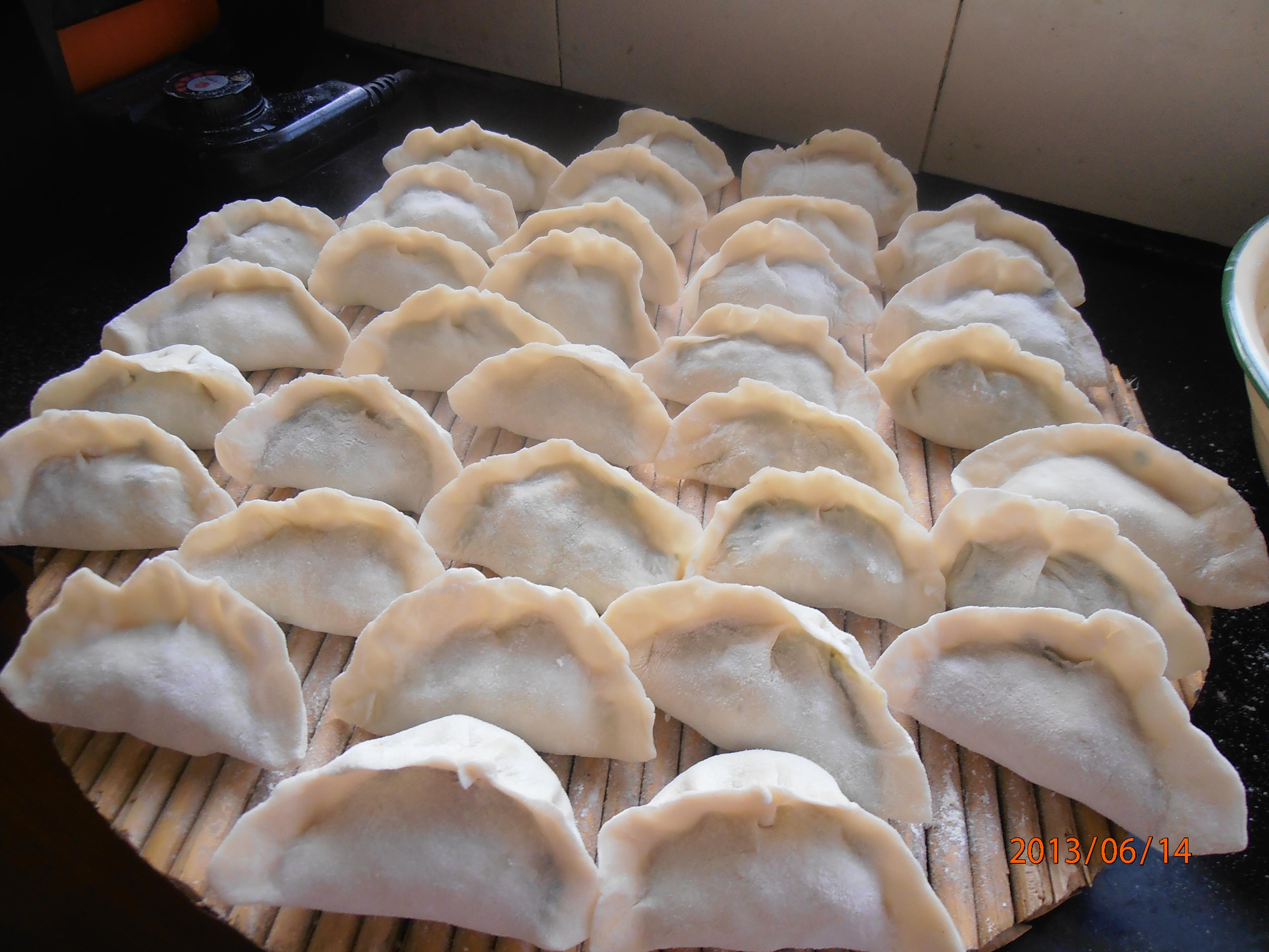 韭菜鸡蛋饺子的做法步骤