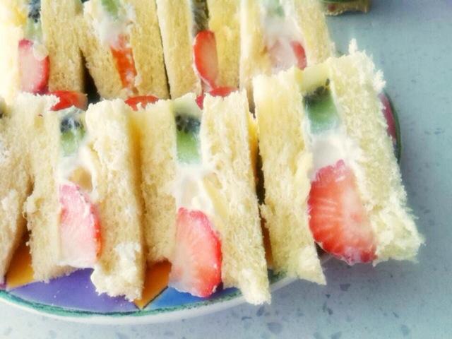 奶油水果三明治的做法图解8