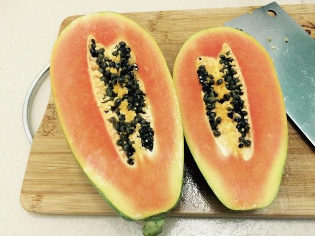 牛奶冰糖燕窝木瓜盅的做法图解1
