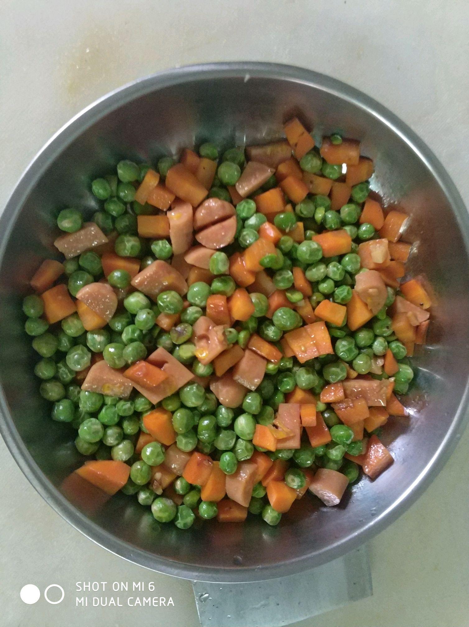 豌豆火腿丁的做法图解3