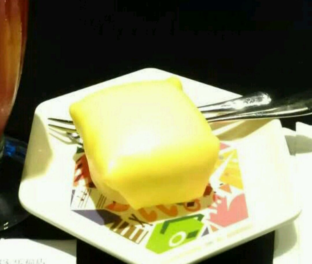 炒菜煲汤临锅时加入提鲜不口干 港式甜品—芒果班戟的做法步骤 1.