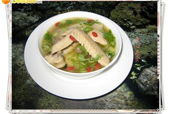 清炖鸡汤——看亚运.学粤菜的做法