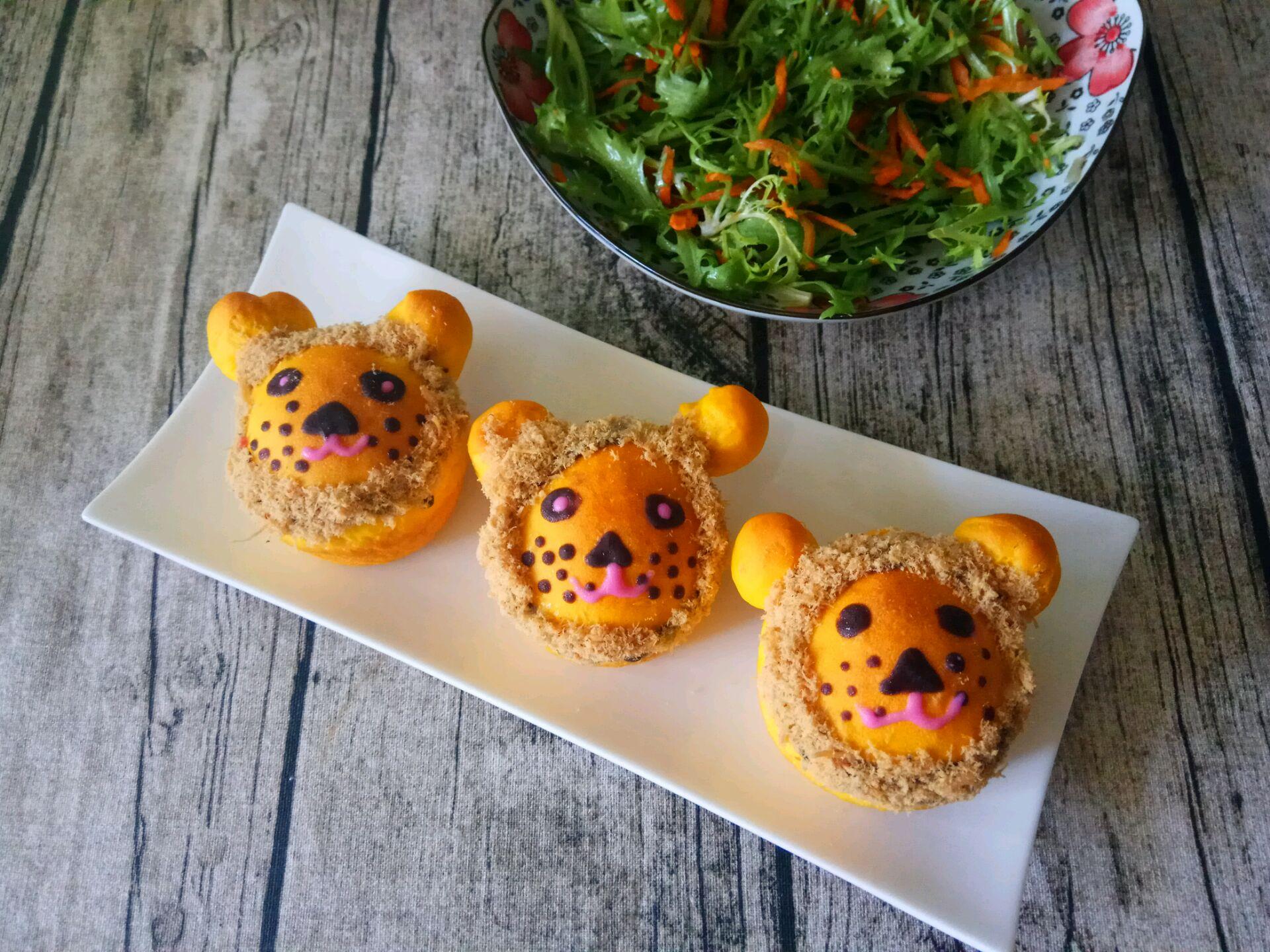 南瓜肉松动物造型面包