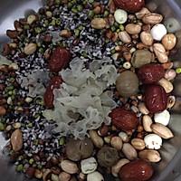 桂圆莲子八宝粥的做法图解1