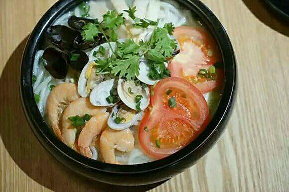 重庆家常三鲜米线的做法 重庆家常三鲜米线怎么做如何做好吃 重庆家