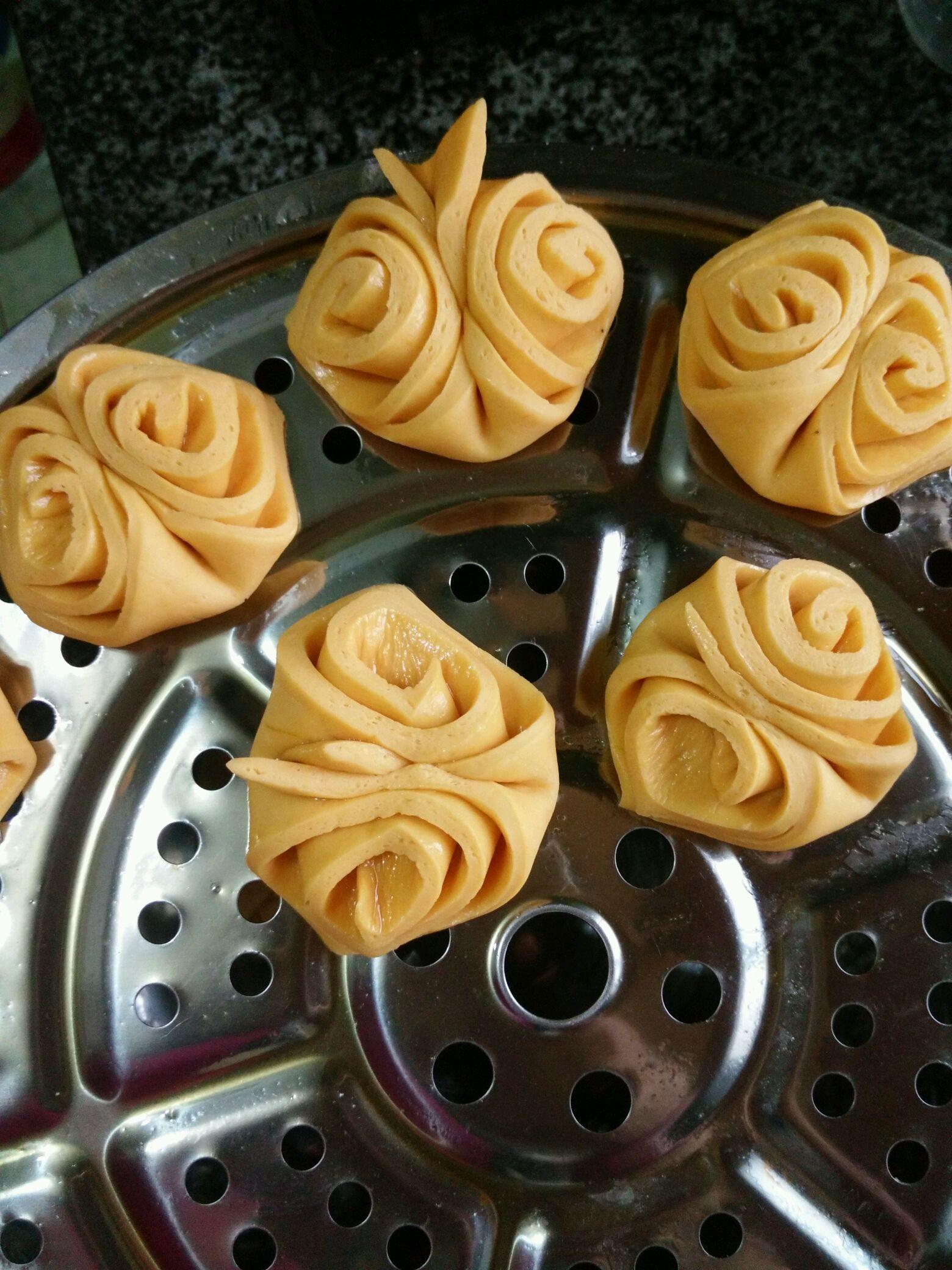12种花样馒头做法大全_奶香南瓜花式馒头的做法