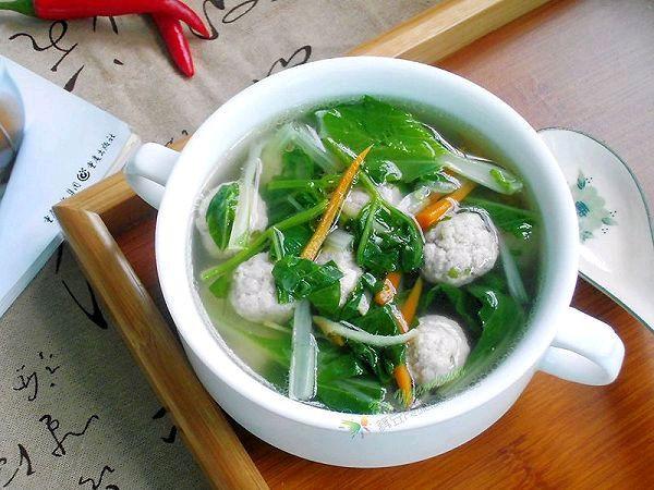 火麻油小白菜肉丸汤