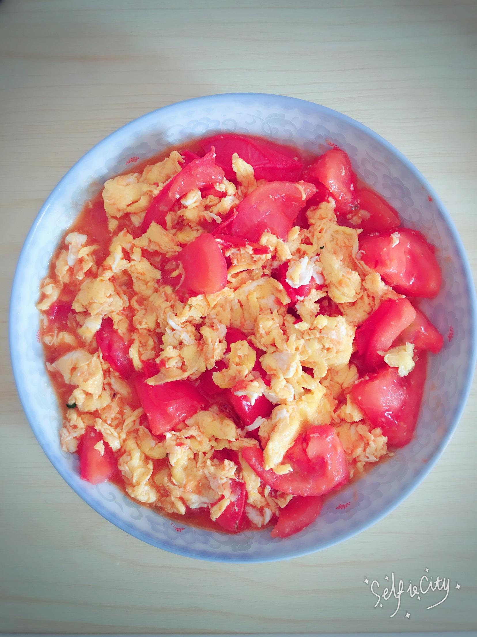 难度:切墩(初级)   主料 盐 油 西红柿炒鸡蛋的做法步骤        本