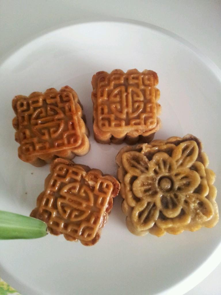 中秋佳节倍思亲----红豆沙月饼