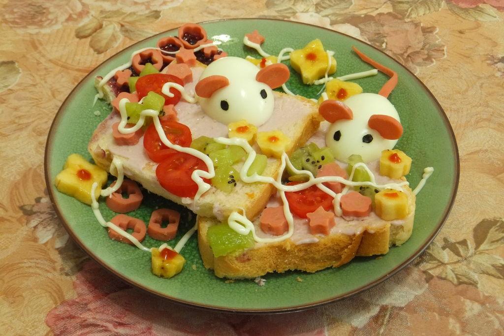 两只小老鼠儿童早餐