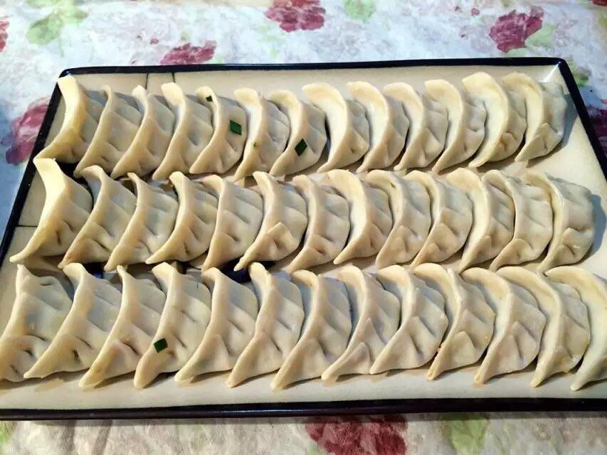 手工水饺的做法步骤
