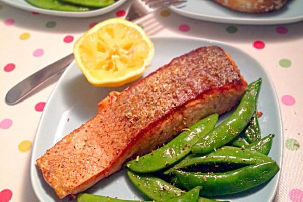欧式香煎三文鱼的做法