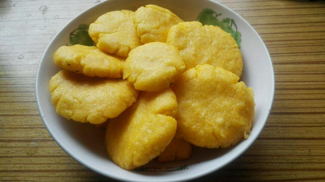 健康玉米面粑粑的做法_【图解】健康玉米面粑粑怎么做