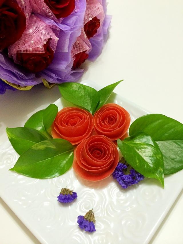 番茄玫瑰的做法图解2