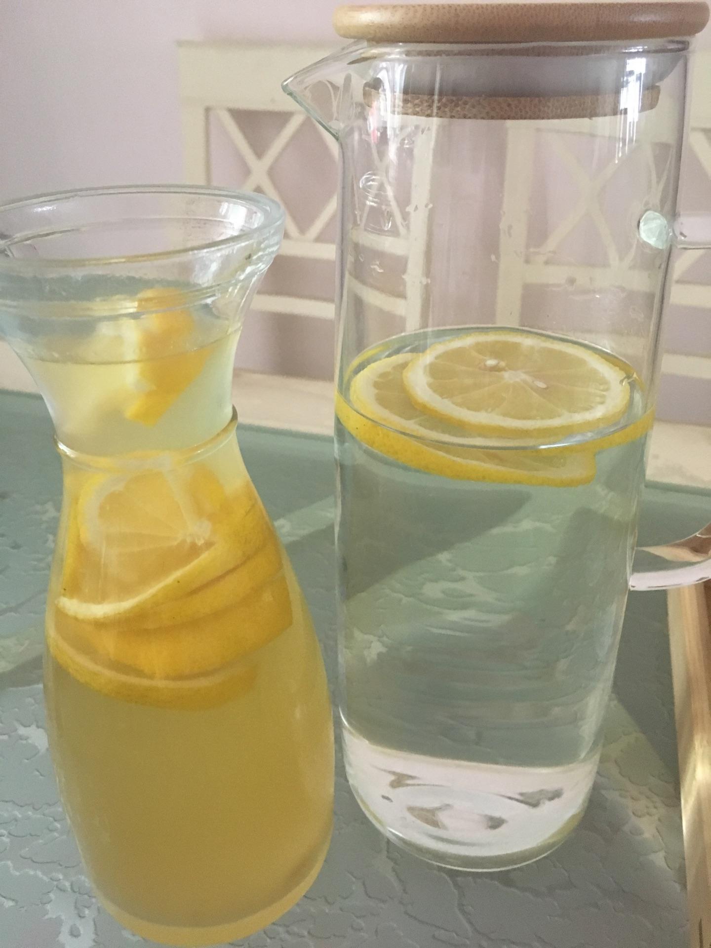 自制蜂蜜柠檬茶的做法图解1