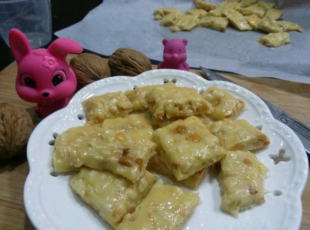 纯手工牛扎糖的做法_【图解】纯手工牛扎糖怎么做好吃
