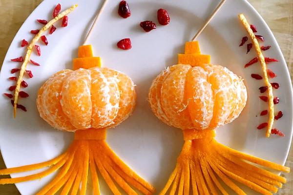 春节水果灯笼的做法