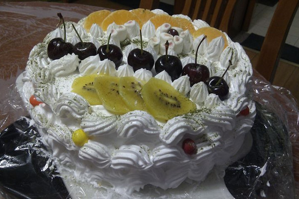 【装饰蛋糕】奶油水果蛋糕(附步骤图)的做法