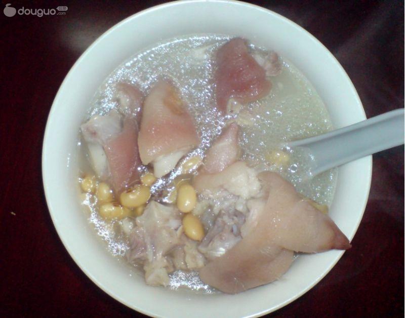 黄豆炖猪脚的做法_【图解】黄豆炖猪脚怎么做好吃