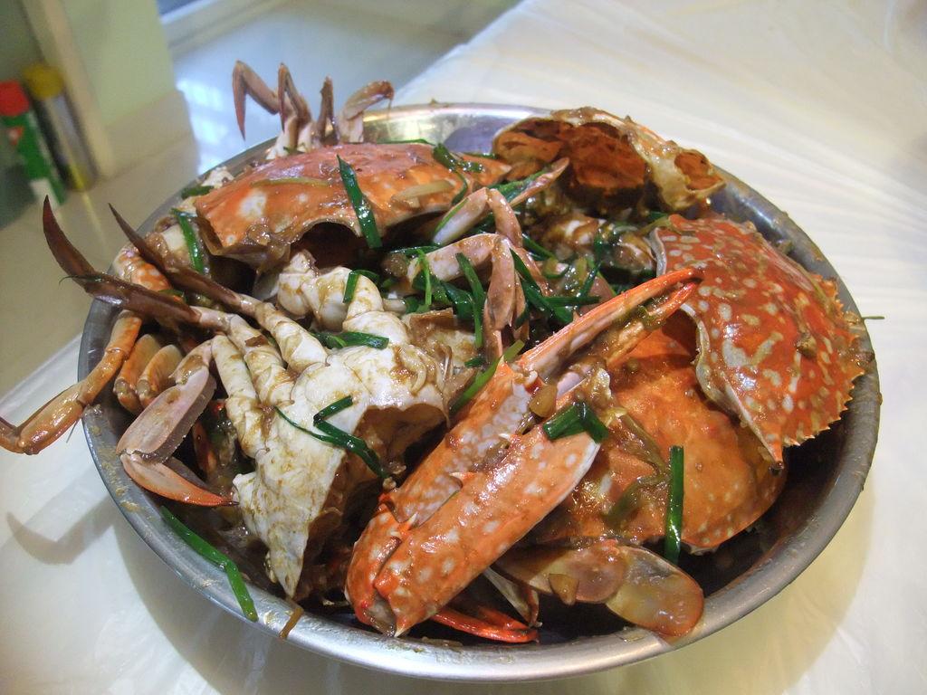 姜葱炒蟹的做法_【图解】姜葱炒蟹怎么做好吃_背包客