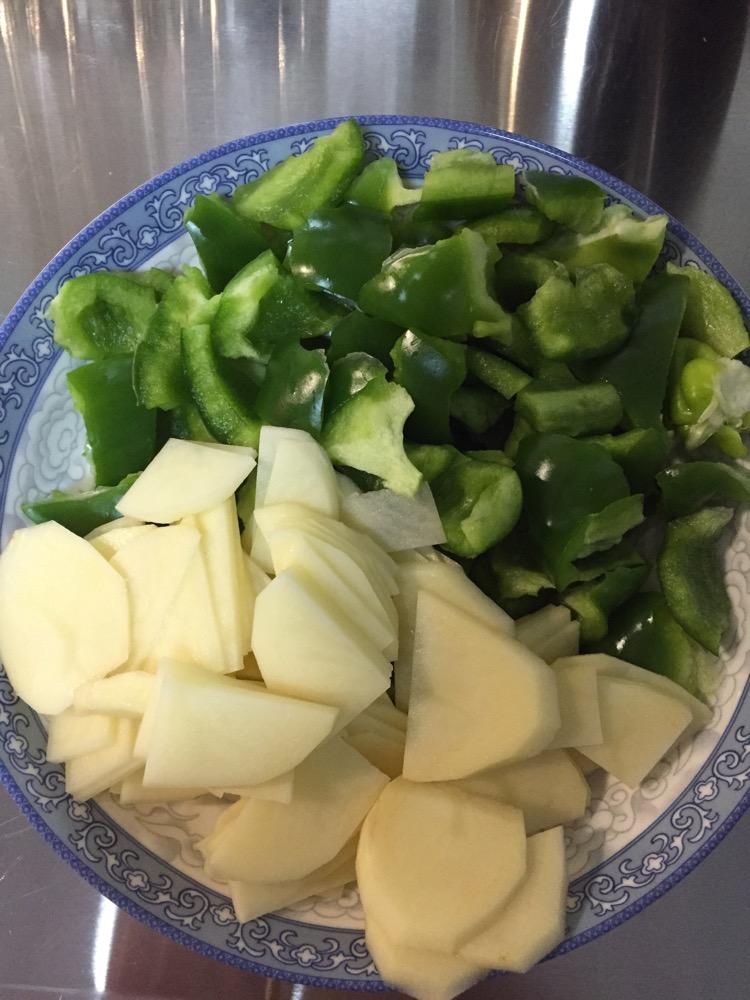 菜椒土豆片的做法_【圖解】菜椒土豆片怎么做如何做