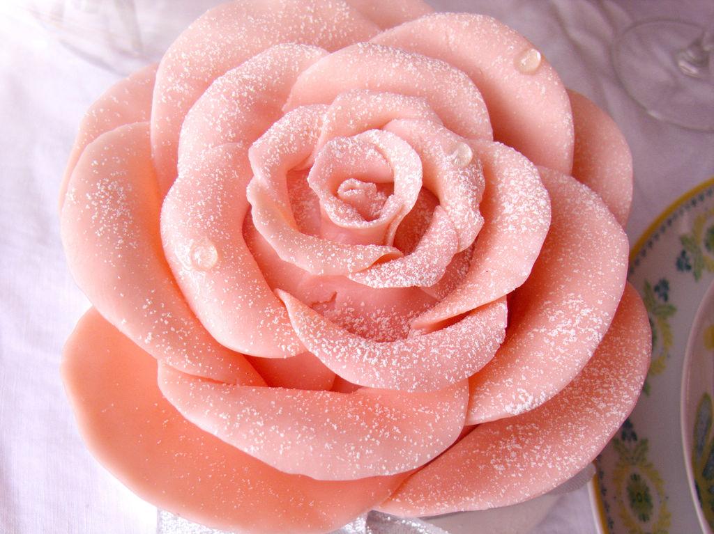 【巧克力玫瑰花蛋糕】——情人节浪漫蛋糕图片