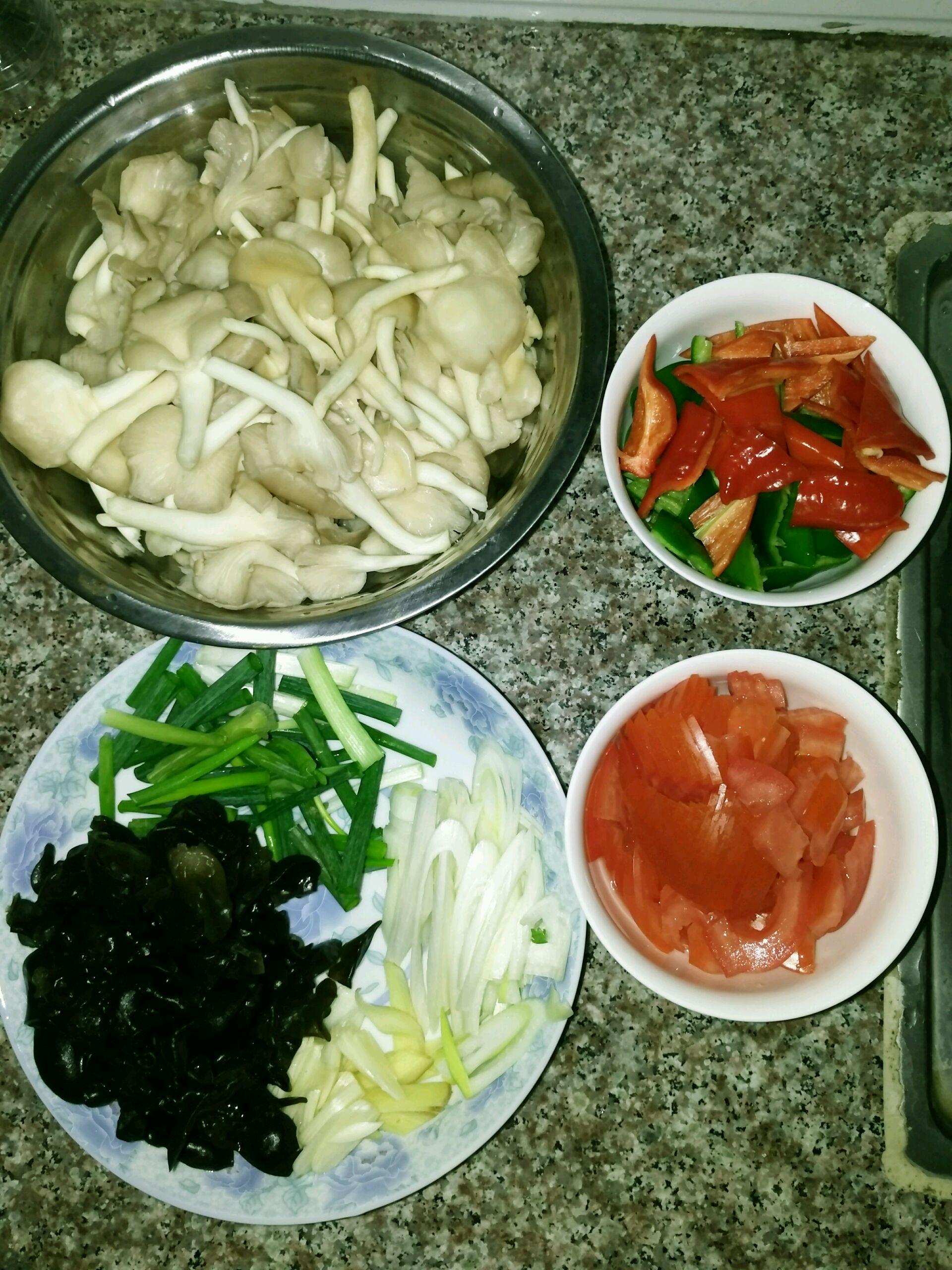 蘑菇的做法大全_青椒蘑菇的做法_【图解】青椒蘑菇怎么做如何做好吃_青椒蘑菇 ...