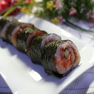 还有原料要有寿司醋(这个也可以自己配),各种酱(蛋黄酱,千岛酱,鱼子酱
